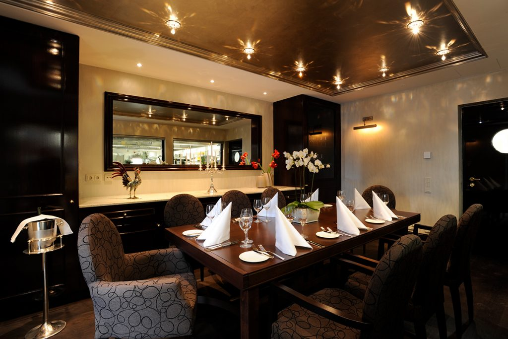 Chefs Table Room