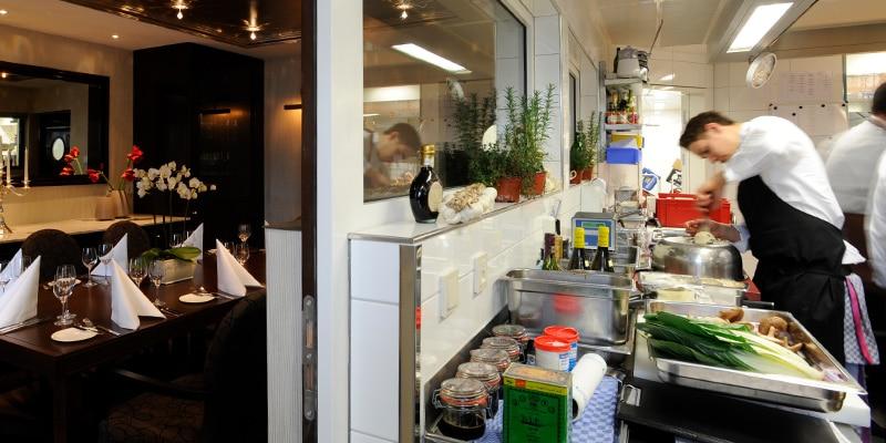 Küche im Chefs Table Room