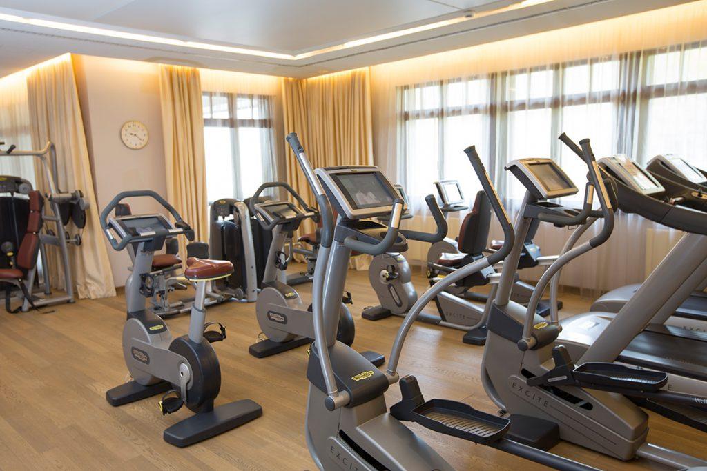 Cardio-Geräte im Fitnessstudio