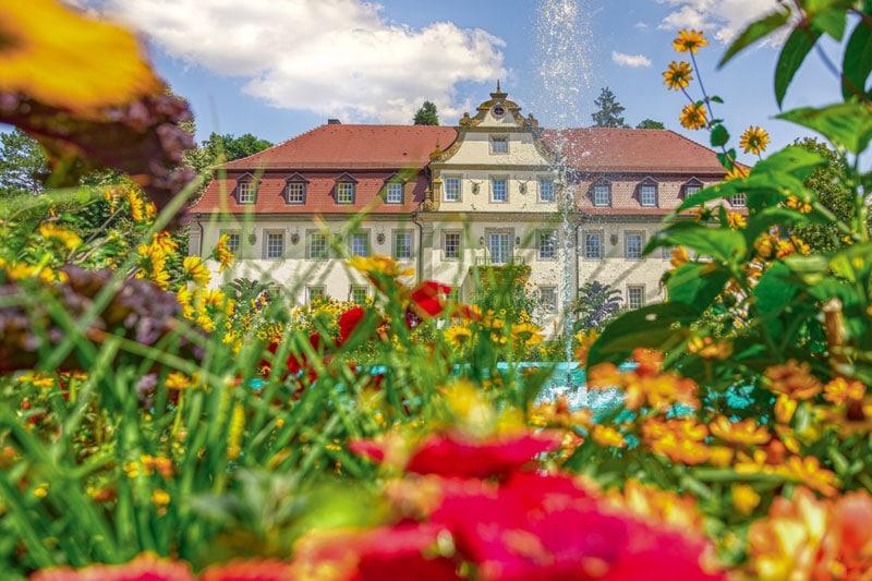 Jagdschloss Hotel Friedrichsruhe im Sommer